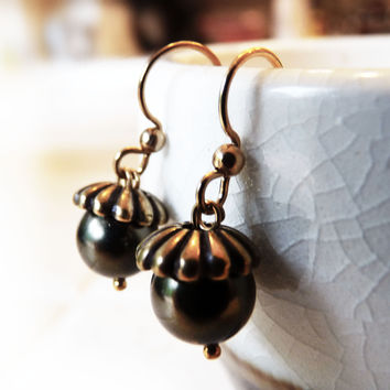 Acorn Crystal Pearl Earrings - Deep Forest & Antiqued Gold