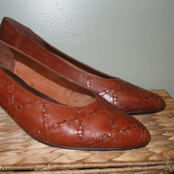 Vintage 80s Sienna Brown Woven Leather Shoes / High Heels / Brown Leather Pumps / Women / size 7 and a half