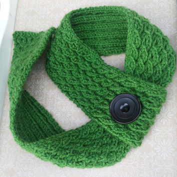 Kelly Green Knit Scarf Vintage Button Women