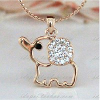 lovely sweet hollow out elephant Rhinestone necklace-pink