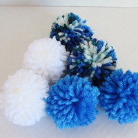 Pom Pom Cat Toys// Yarn Puffs// Blue, Green and White// Set of 6// Gift Wrapped