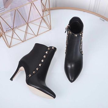 Valentino 2020 latest womens fashion leather Lace-up Western Chelsea Boot With Iconic Buckle black Zipper Ankle boots shoes