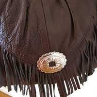 vintage 80s 90s does 70s chocolate brown fringe leather hobo bag / crossbody silver conch western festival style boho hippie Stevie Nicks