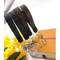 LV street fashion men and women classic old flower vintage keychain