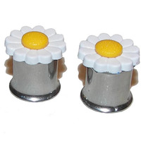 "Daisy Plugs - Small - 1 Pair - Sizes 2g, 0g, 00g, 7/16"", 1/2"""