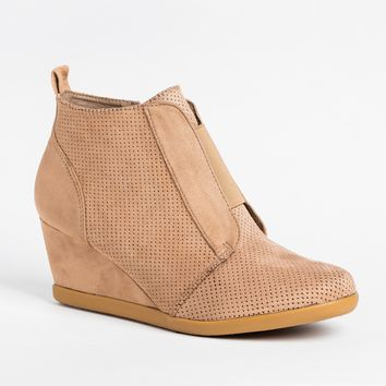 Sporty Pinhole Bootie Wedges