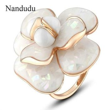 Hot Blooming Flower Bridal Engagement Ring for Women
