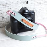 Camera strap. Light blue with light pink leather. DSLR camera strap. Canon camera strap. Nikon camera strap. Photographers gift.