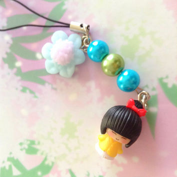 Kawaii yellow Geisha flower phone charm - japanese doll - kabuki figure charm - Glass pearl beads - polymer clay flower.