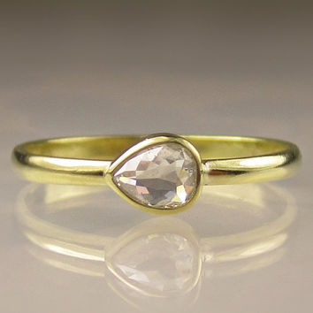 Rose Cut Diamond Ring in 18k Yellow Gold - Engagement Ring