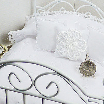 Dollhouse Miniature White Coverlet Eyelet Fabric Hand Quilted Bedding Matching Decorator Throw Pillows Fairy House Little Doll Bedding Quilt