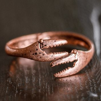 Crab Claw (Matted Rose Gold) / Bangle Bracelet
