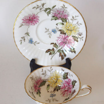 "Vintage Paragon Fine China Teacup and Saucer ""Autumn Glory"" Wide Pink Floral England Circa 1940's By Appointment to Her Majesty Queen Mary"