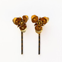 Golden Hair Pins with flower shape