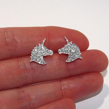 Unique Charming Jewelry Silver Color Crystal Unicorn Earrings for Women Wedding Gift Cute Animal Small Earrings boucle d'oreille