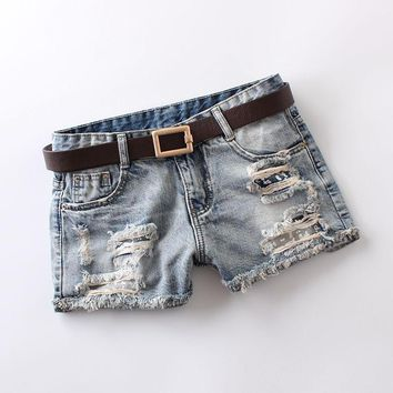 2018 summer jeans womens mid waist light blue hole printing shorts vintage bleached washed zip button 100% cotton denim shorts