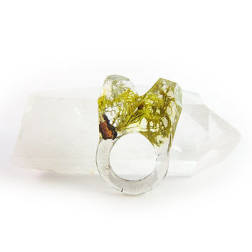 Asymmetrical Faceted Terrarium Ring • Size 6 • Eco Resin Moss Ring • Unusual Art Nature • Faceted Terrarium • Geometric Terrarium Ring
