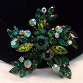 Vintage Estate Green Olivine Star Flower Brooch Glass Rhinestone Silver Plate Pin