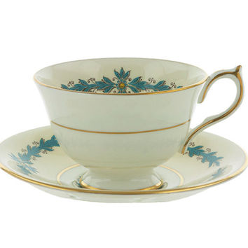 Aynsley Tea Cup and Saucer Set Cambridge Pattern 7818 English Fine Bone China Cornflower Blue and Gold on Cream Basket with Floral Bouquet