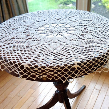 "Round Crocheted Tablecloth,38"" White Tablecloth,97cm Diameter Round Tablecloth,Pineapple Design,Vintage Crochet Doily,Vintage Crochet Linens"