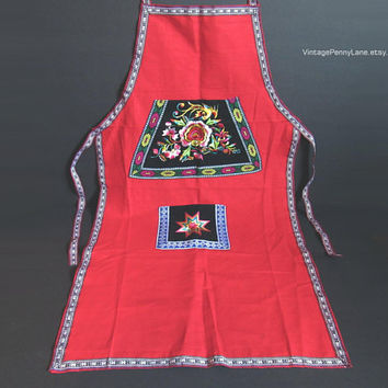 Vintage Full Apron, Red Embroidery Apron, Embroidered, Bohemian / Boho Linen Apron