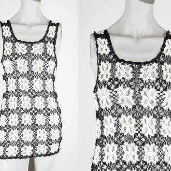 Vintage 90s Top / 1990s Black and White Floral Crochet Tank Top S M