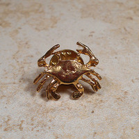 Vintage Crab Tack Pin Lapel Brooch Gold Tone Beach Ocean Sea Nautical Retro Jewelry Cancer Zodiac Figural Jewellery
