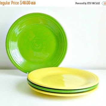 SALE Vintage Fiesta Ware Plates, Homer Laughlin Fiesta Dinner Plates Set, Shamrock Green, Sunflower Yellow, Spring Dinner Plates.