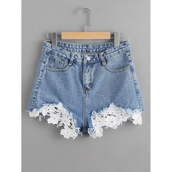 Lace It Contrast Crochet Frayed Hem Denim Shorts - Blue