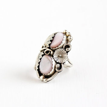 Vintage Sterling Silver Mother of Pearl Ring - Size 8 Retro Southwestern Native American Pink Seashell Statement Leaf Flower Jewelry