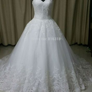 Backless Wedding Dresses Lace With Zipper Buttons White Ball Gown Wedding Dress Design