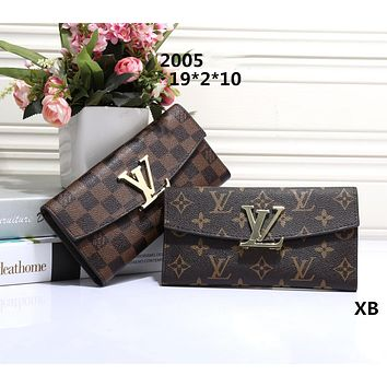 LV Loius Vuitton 2018 classic counter models women's favorite wild fashion clutch bag F-OM-NBPF