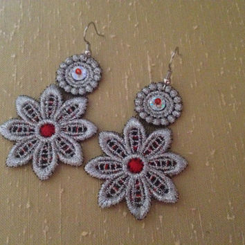 Flower lace earrings Flower earrings Lace earrings Silver lace earrings Bridal earrings Gift for her