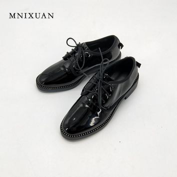 Spring womens casual vintage round toe women flats oxford shoes ladies 2017 autumn patent leather lace up rhinestone big size 10