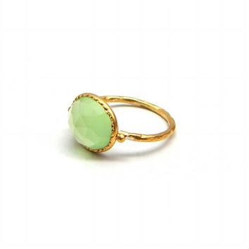 Green Chalcedony Ring, Hammered Green Chalcedony Ring, 22K Yellow Gold Plated Silver Ring, Oval Gemstone Cocktail Ring, Bezel Ring Jewelry