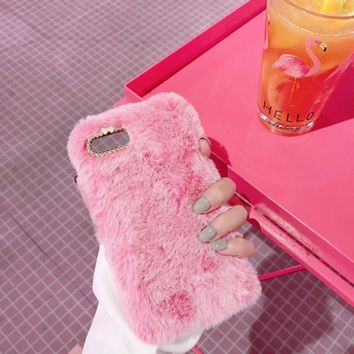 Cute Rabbit Fur Phone Case Fashionable Fluffy Warm Mobile Phone Protective Case Cover Luxury Design Cover Suitable for iPhone