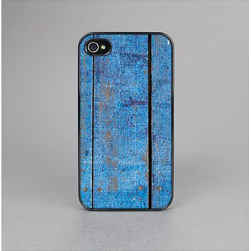 The Worn Blue Paint on Wooden Planks Skin-Sert Case for the Apple iPhone 4-4s