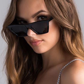 AKIRA Label Plastic Cat Eye Frames Tinted Lenses Nose Rest Adjustable Curved Arms Sunglasses in Black