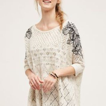 Knitted & Knotted Embroidered Launa Poncho in Grey Motif Size: