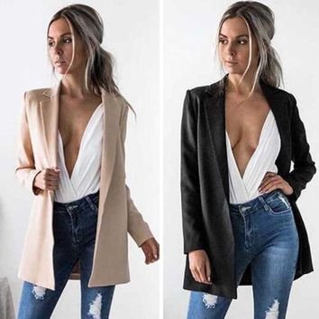 Long sleeve single breasted blazer perfect for the office