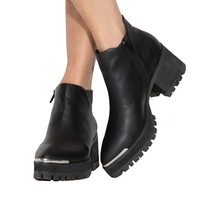 YRU Wolf Pointed Ankle Boots