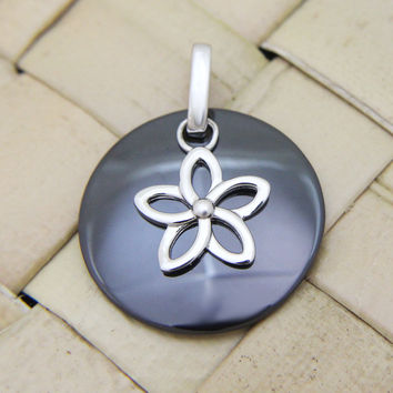 925 Silver Rhodium Hawaiian Plumeria Flower Black Ceramic Circle Round Pendant
