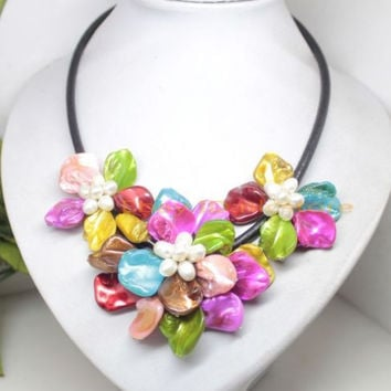 """Free shipping@@@@@ Handmade Multi-Color mother of pearl shell flower pendant necklace 18"""" jewelry"""
