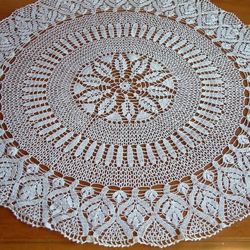 center piece/table runner/crochet table runner/crochet/crochet runner/crochet doily/home decor/table runner crochet/handmade/tabledecoration