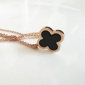 Cartier rose gold double-sided shell four-leaf clover pendant necklace female short clavicular chain