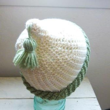 Crochet beanie, crochet hat, gnome hat, pointed hat, pointed beanie, tassel hat, white beanie, ready to ship, handmade, hand crochet, green