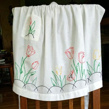 Embroidered White Apron Vintage Rockabilly Apron Retro Kitchen Decor Tulip Embroidery