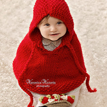 Little Red Riding Hood. Hand knit baby poncho. Pure wool. 6 to 9 months. Halloween costume. Baby Shower Gift. Photo Prop. Fall fashion
