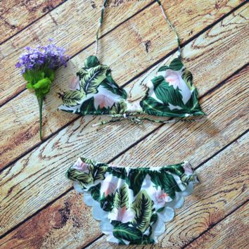 Green leaf print halter scalloped two piece bikini