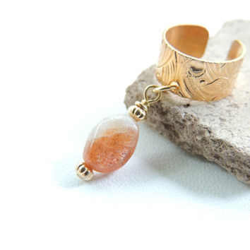 Sunstone Ear Cuff, Gemstone Dangle Ear Cuff, Sunstone Jewelry, Brass Ear Cuffs, Cartilage Earring, Non-Pierced Earring, Stone Jewelry. 206